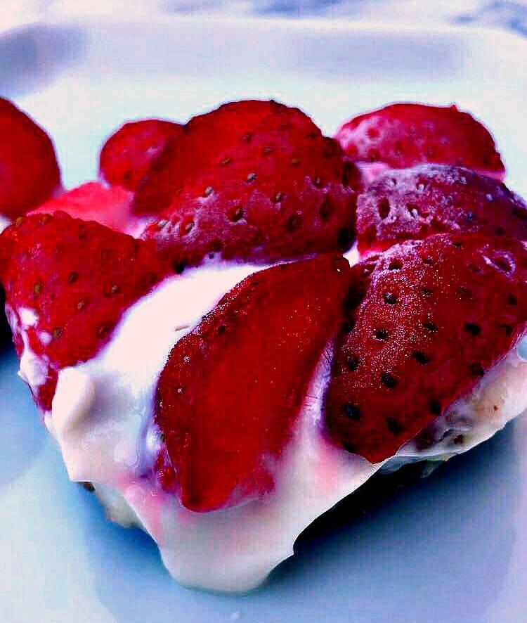 Gluten-free Frozen Strawberry Greek Yogurt Bites