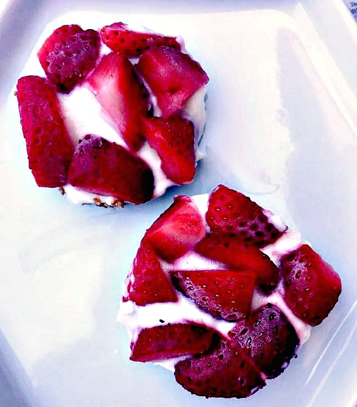 Gluten-free Frozen Strawberry Greek Yogurt Bites