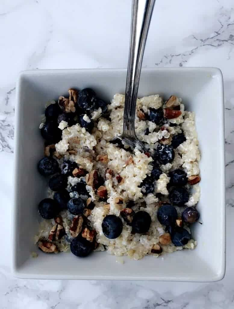 5-minute blueberry quinoa breakfast bowl