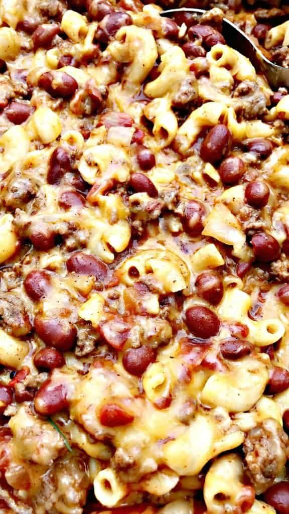 Slow Cooker Chili mac and cheese