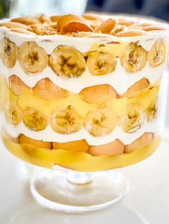 Banana pudding trifle in a trifle bowl