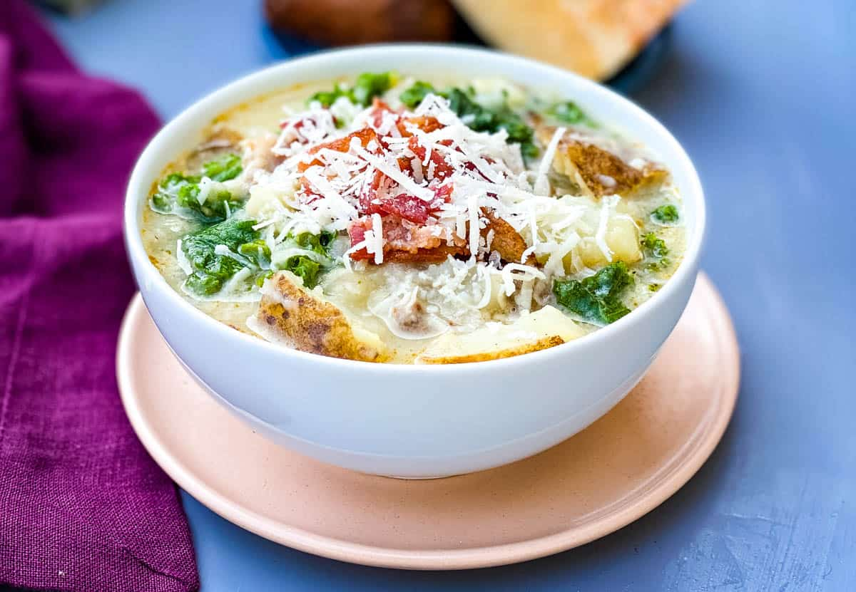 Instant Pot or Slow-Cooker Olive Garden Zuppa Toscana Soup