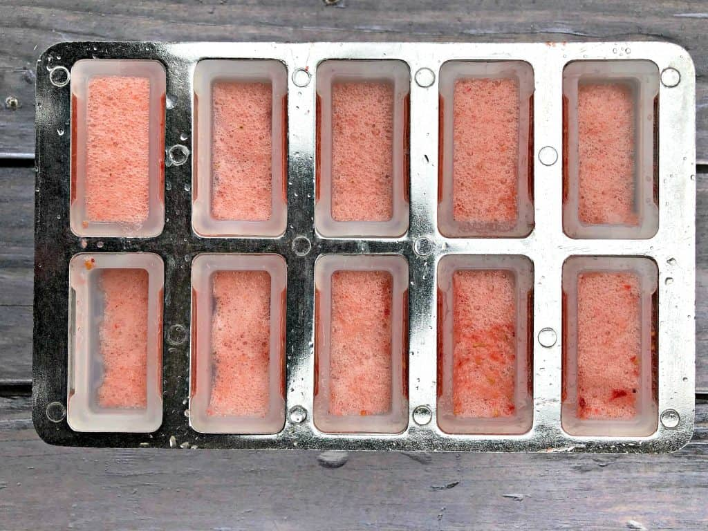 rose' wine popsicles in a mold