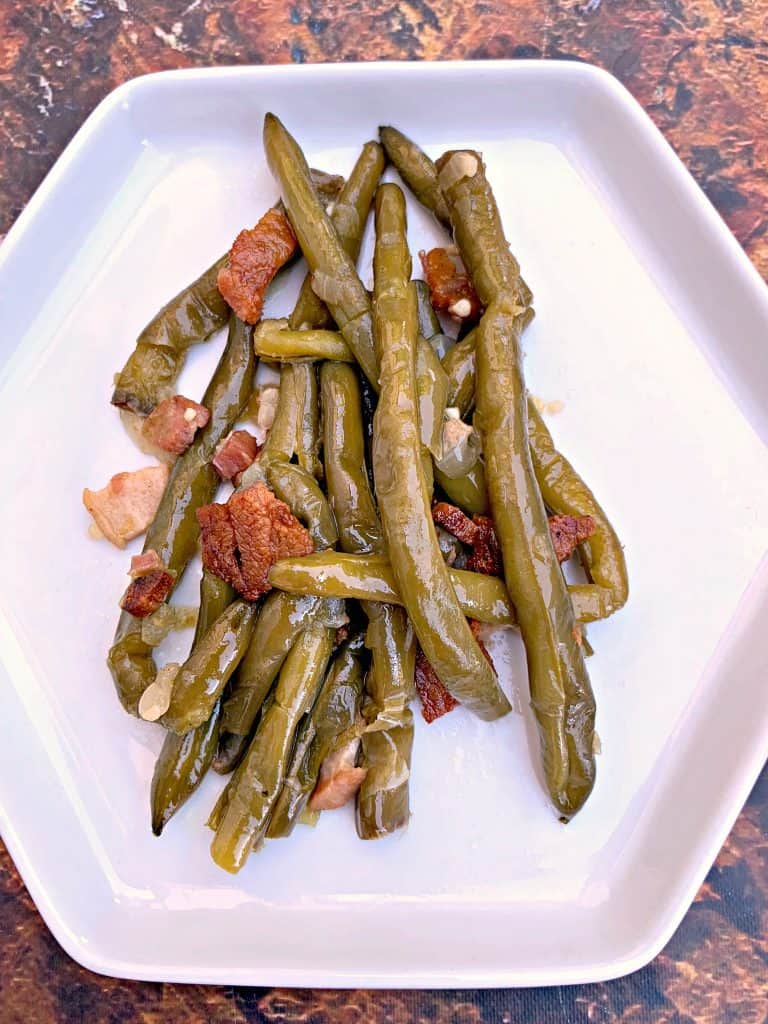 instant pot green beans on a white plate