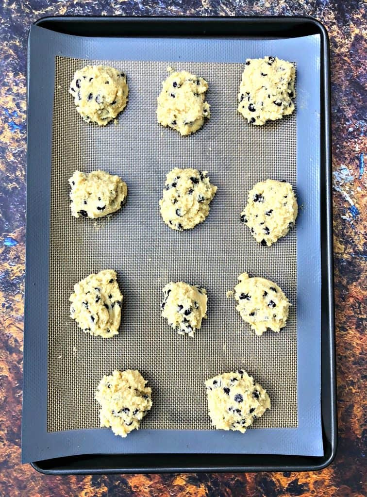 Keto Low Carb Soft And Chewy Chocolate Chip Cookies With