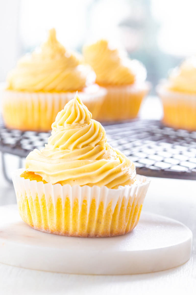 Keto Low Carb Gluten Free Vanilla Cupcakes With