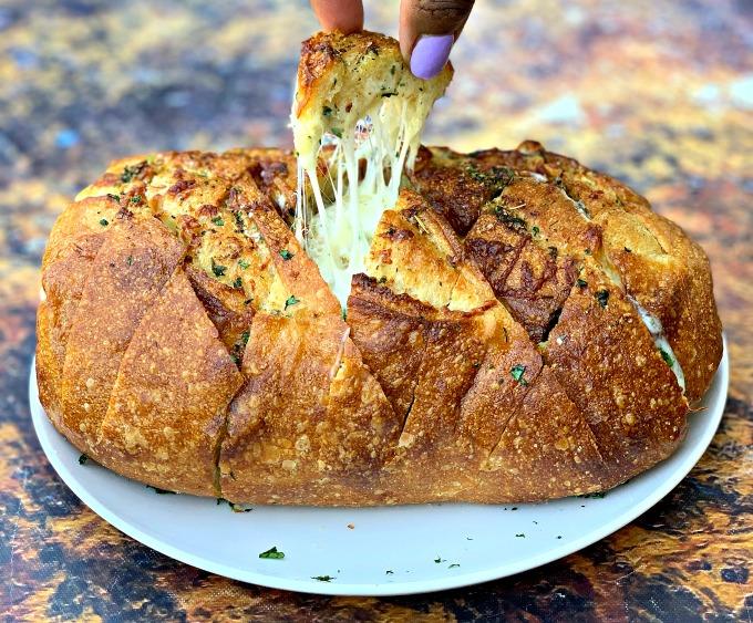 Air Fryer Pull Apart Cheese Garlic Bread