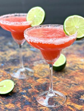 keto low-carb frozen strawberry margaritas with lime