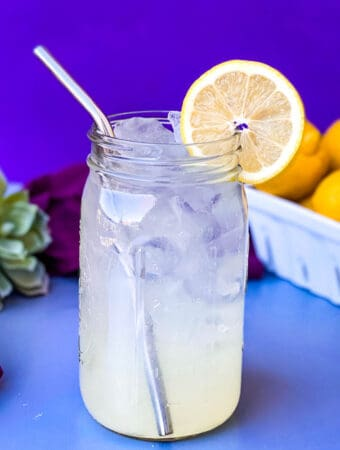 keto low carb lemonade in a mason jar with fresh lemons