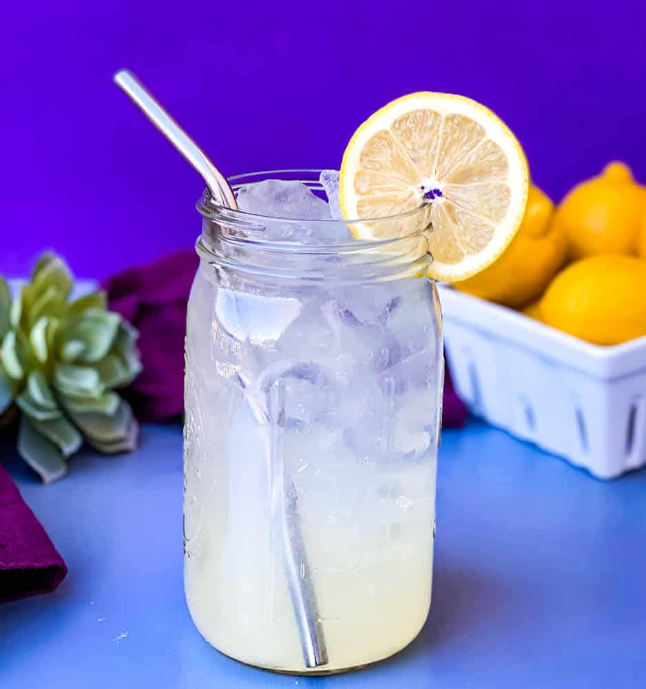 keto low carb lemonade in a mason jar with fresh lemons