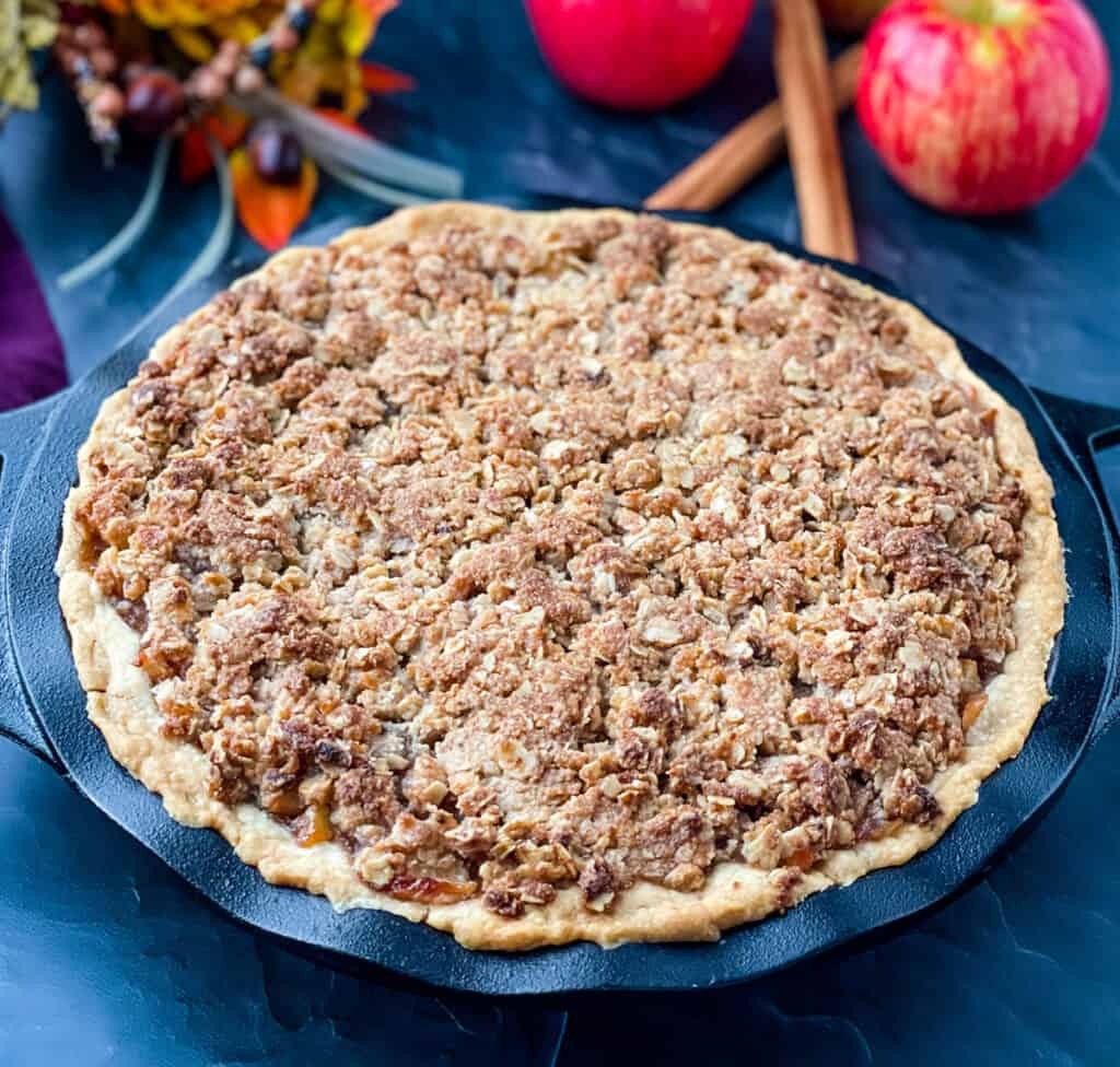 baked sugar free apple pie in a pie plate