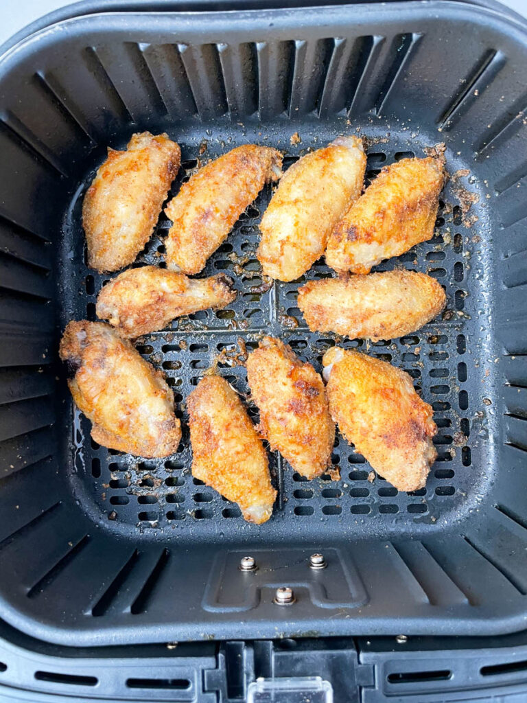 keto chicken wings in a basket