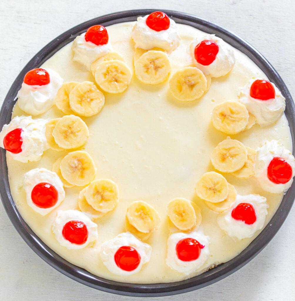 banana split pie in a pie plate