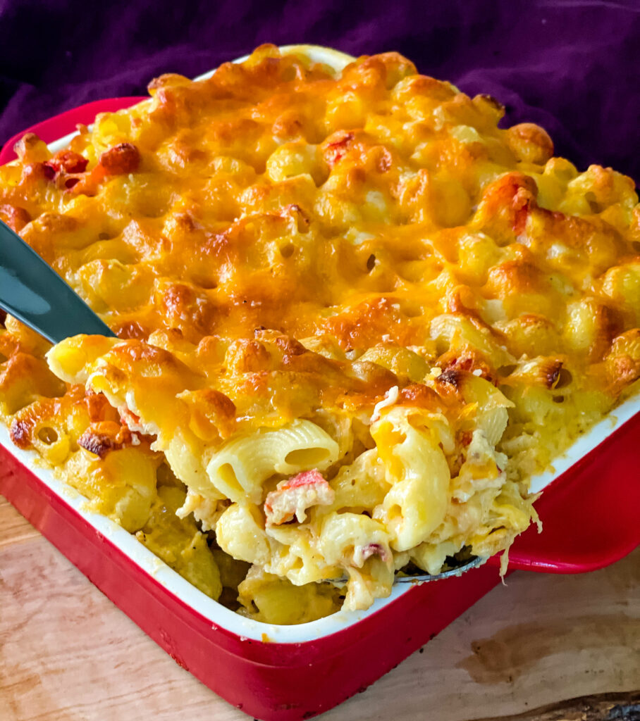 a large spoonful of lobster mac and cheese